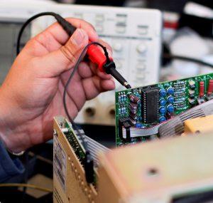 LCD Elektronik Austausch defekter Teile